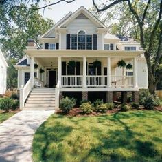 gorgeous home. i really want a wrap-around porch like this! Look for plantation houses or colonial wrap around porch house. I have a lot on my board. House styles I love. Future House, My House, House Floor, House Porch, Design Exterior, Interior And Exterior, Exterior Paint, Interior Blogs, Modern Interior