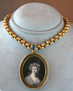18th century miniature and canetille work chain, contemporary to the frame/miniature.