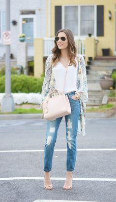 spring floral kimono with distressed denim and neutral handbag #style