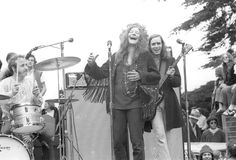 Janis Joplin and Big Brother The Holding Company perform at the New Year's Wail in Golden Gate Park on January 1 1967 in San Francisco California Janis Joplin, Acid Rock, Heavy Metal, Musica Metal, Outdoor Stage, American Bandstand, Holding Company, Golden Gate Park, Thing 1