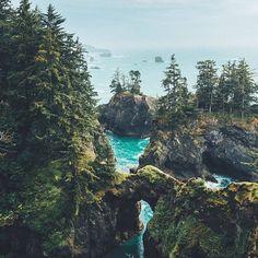 The idyllic Brookings, Oregon | Photo by @dansmoe