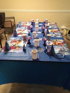Frozen theme guest table