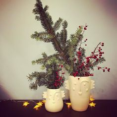 Its beginning to look a lot like Christmas  _______________________________ #firbranches #holly #greens #wintershots #christmasiscoming #interiordecoration #firtree #interior #interiordesign #decorationnoel #pottery instapottery #ceramicvase #bigandsmall #urban_pottery #slowmade #contemporaryceramics #contemporarydesign #floralarrangement #xmasdecor #christmastreedecorations #homedecor #homeandliving #designermaker
