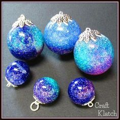 Learn how to make beautiful resin charms with glitter! #resin #resincrafts #howto #jewelry #crafts #diys glitter, charm, resin jewelry, resin sphere, resin charm, resin pendant, glitter jewelry, glitter charm, glitter pendant, how to, howto, how to mak