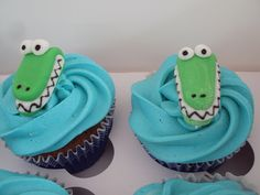 crocodile cupcakes~                          by Truly Tasty Cupcakes, via Flickr, green