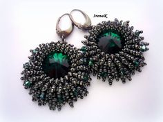 Náušnice - Sirens (Emerald) - Earrings with Swarovski crystals and seed beads.