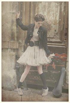 Photo: Wanda Kujacz  Model: Lizzie