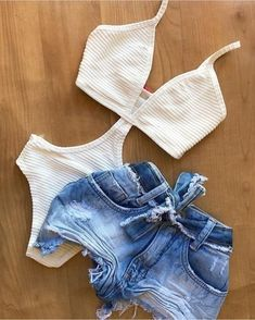 melissacalistri no Instagra Short Outfits, Trendy Outfits, Summer Outfits, Cute Outfits, Fashion Outfits, Fashion Boots, Womens Fashion Online, Latest Fashion For Women, Look Con Short
