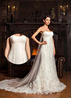 Gorgeous lace train, do you like this wedding dress?  #JJsHouse