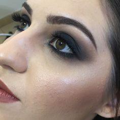 Maquiagem profissional. Smokey eyes