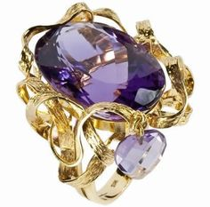 "RING ""TRIUNE LOVE"" Ring in yellow gold with amethyst stone with a heart cut briolet amethyst stone. Approximate price in dollars: $ 6.353,35  - Email: andersonweb@outlook.com"