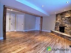 La poutre de bois! Wow! Decor, Outdoor Decor, Home, Garage Doors, Doors