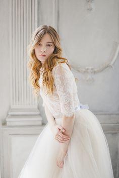 Lace & Chiffon Wedding Dress | Katia Tumenyeva Photography | Viktoria Gusova & Elena Gavrilova | Bridal Musings Wedding Blog