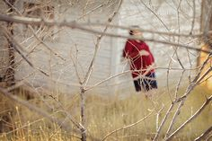 www.frostedproductions.com | #utah #photographer #maternity #photography #baby #bump #pregnancy #outfit #ideas #tree #branches