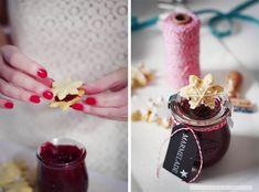 Rezept: Mandel-Vanille Schneeflocken und Cranberry-Marmelade mit Portwein Mehl durch glutenfreies Mehl ersetzen!