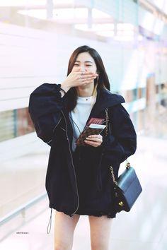 dedicated to female kpop idols. Kpop Girl Groups, Kpop Girls, Korean Princess, Homo, Korean Celebrities, Airport Style, New Girl, South Korean Girls, Girl Crushes