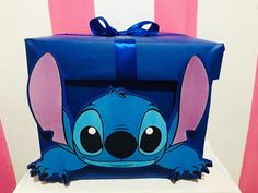 Caja de regalo de 35 cm X 35 cm Diy Card Box, Diy Valentine's Box, Diy Gift Box, Disney Valentines, Valentine Day Boxes, Valentine Crafts, Happy Birthday Mom, Friend Birthday Gifts, Diy Birthday