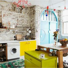 i have a thing for brick and this kitchen is rather lovely... A big interior decoration post | This chick's got style #brick #kitchens