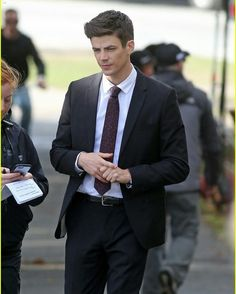 Grant Gustin / Barry Allen / The Flash Grant Gusting, Series Dc, Crossover Episodes, O Flash, Flash Barry Allen, The Flash Grant Gustin, Fastest Man, Dc Legends Of Tomorrow, Supergirl And Flash