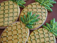 Summer is finally here. Wondering what kind of cookies to bake? Here's a few very good examples of summer cookies. Pineapple Cookies, Fruit Cookies, Galletas Cookies, Cut Out Cookies, Cupcake Cookies, Hawaiian Cookies, Luau Cookies, Pineapple Desserts, Fancy Cookies