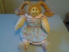 SOFT SCULPTURE LITTLE PEOPLE CABBAGE PATCH KID GIRL COMPLETE XAVIER ROBERTS DOLL