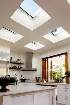 Need inspiration? Get ideas and inspiration from our room gallery to see how you can add natural lighting to your home and create a masterpiece with VELUX Skylights. Interior Styling, Contemporary Kitchen, Kitchen Remodel, Skylight Kitchen, House Design, Rustic Modern Kitchen, Garage To Living Space, Velux, Roof Skylight