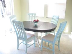 Kitchen Nook - chalk painted chairs in a breezy blue and a deep chocolaty brown stained tabletop with a creamy base - Nice color combo. Old Kitchen Tables, Painted Kitchen Tables, Painted Chairs, Kitchen Nook, Red Kitchen, Kitchen Ideas, Painting Kitchen Chairs, Cool Chairs, Pink Chairs