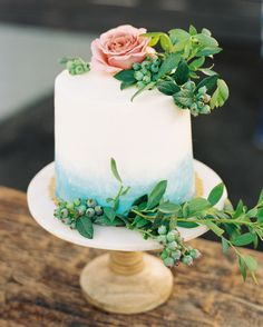 Floral Wedding Cakes The Prettiest Ombré Wedding Cakes for Couples Who Love Color - When his business started, most couples would choose between option A, B, or C for their big day. A lot has changed since then. Funny Wedding Cakes, Small Wedding Cakes, Floral Wedding Cakes, Wedding Cake Designs, Wedding Cake Toppers, Wedding Sweets, Peacock Wedding, Elegante Desserts, Fresh Flower Cake