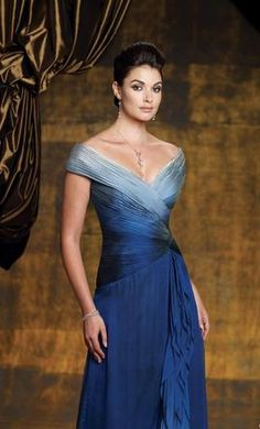 v-neck cap sleeve criss-cross sashes custom sexy mother of the bride dress new fashion 2014 prom dress evening dress party dress Mother Of Groom Dresses, Mother Of The Bride, Used Wedding Dresses, Wedding Gowns, Evening Dresses, Prom Dresses, Formal Dresses, Chiffon Gown, Ideias Fashion