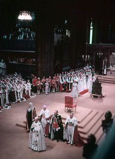 Coronation of Queen Elizabeth II Couronnement de la Reine Elizabeth II - Elizabeth II - Wikipedia
