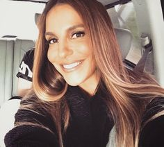 Ivete Sangalo Single light hair