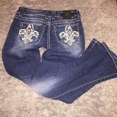 $50 TONIGHT ONLY Fleur de Lis Miss Me Jeans. Great Condition. Only worn Twice, if that. Miss Me Jeans Boot Cut