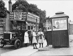 Bus conductresses on duty. Bus conductresses in Richmond, Surrey, The London General Omnibus Company started recruiting women conductors in February Richmond Surrey, Richmond Upon Thames, Kingston Upon Thames, London Bus, Old London, Antique Photos, Vintage Photographs, Old Pictures, Old Photos