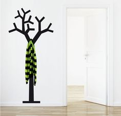 Percheros originales para tu recibidor - http://decoracion2.com/percheros-originales-para-tu-recibidor/62726/ #Decoración, #Pared, #Percheros, #PercherosOriginales