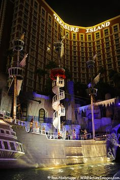 The Pirate Show at Treasure Island Hotel and Casino on the Las Vegas strip, Las Vegas, Nevada