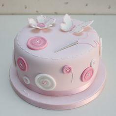 Preeciosa tarta de botones de Atelier Sucrème