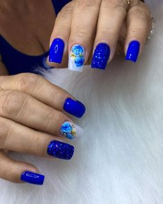 French nails with flower The nails with flowers that area unit in fashion bring varied models with stress on those with Mexican flowers Flower Nail Designs, Blue Nail Designs, Manicure, Mexican Flowers, Nail Accessories, Us Nails, Flower Nails, French Nails, Summer Nails