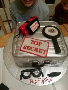 Spy cake by Cakes with a Heart