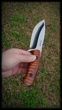 Gallery of knives made by Jake DeBaud.