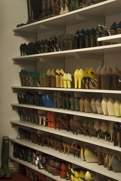 http://www2.pictures.lonny.com/mp/T-P-1m5JtmPl.jpg Lela Rose's shoes