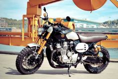 Yamaha Scrambler by Flash 76 Moto Scrambler, Scrambler Custom, Custom Motorcycles, Cars And Motorcycles, Cafe Racer Moto, Cafe Racer Bikes, Cafe Racers, Motorcycle Images, Motorcycle Bike