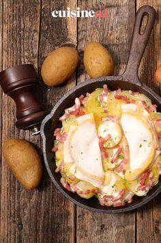 La reblochonnade est un plat d'hiver aux pommes de terre avec du reblochon en fromage. #recette#cuisine#reblochonnade#pommedeterre #reblochon Brie, Apples