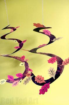 Podzimní list papírové desky Whirligigs - Whirlgigs jsou tak zábavné řemeslo pro předškoláky a báječný způsob, jak zdobit učebnu nebo domov.  Roztomilý a zábavný.  Láska tohoto podzimního stromu Paper Plate Whirligig ... ideální také pro dík díkůvzdání.