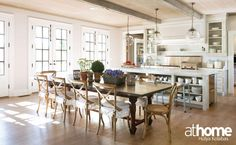 The laid-back, ten-seater perfection of Jane Green's open #dining room