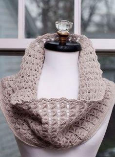 Pavo Knit Lace Cowl - Knitting Patterns by Kalurah Hudson