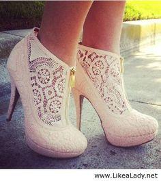 Lace heels. In black please :)