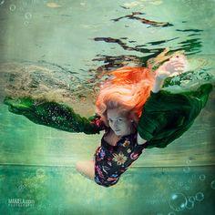 Dubai photographer fashion, underwater, commercial, corporate, wedding -