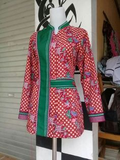 African Blouses, African Lace, African Dress, Blouse Batik, Batik Dress, Batik Fashion, Work Fashion, Blouse Patterns, Blouse Designs