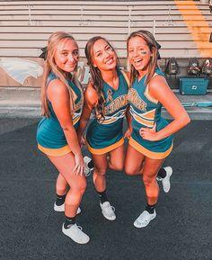 Cheerleading Chants, Cute Cheerleaders, Cheerleading Pictures, Cheerleading Uniforms, Cute Cheer Pictures, Cheer Picture Poses, Cheer Poses, Cute Poses For Pictures, Varsity Cheer