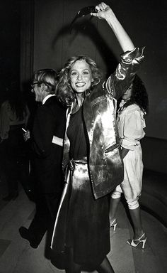 These Rare Photos of the Iconic Lauren Hutton Are Everything via @WhoWhatWearUK